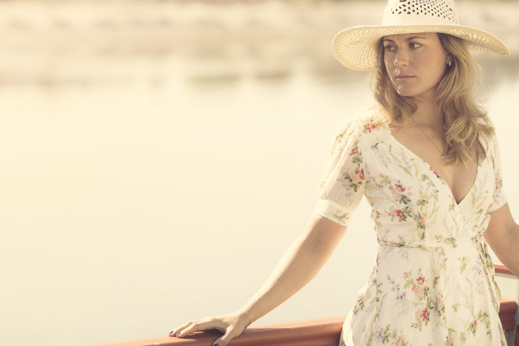 beautiful-portrait-of-a-woman-standing-seaside