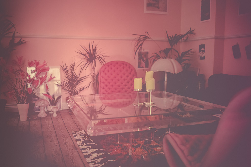 cafedornonville-pink-room