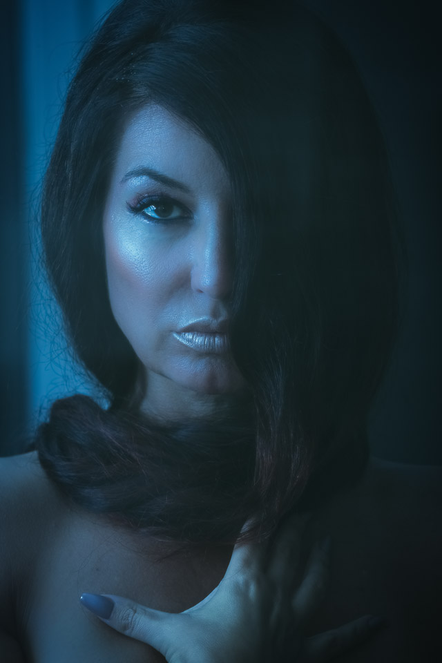dark-blue-flash-portrait
