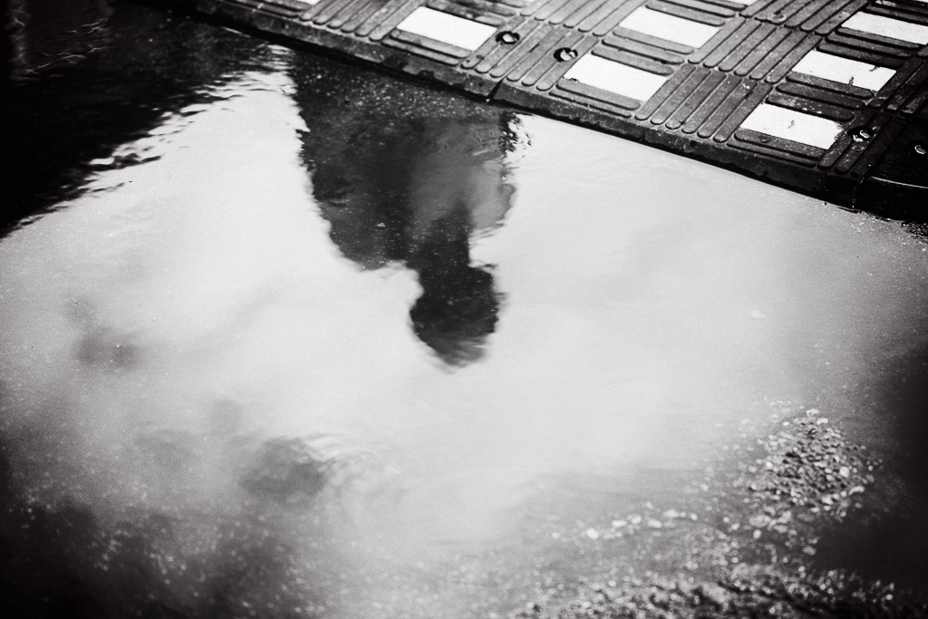water-reflection-in-bw