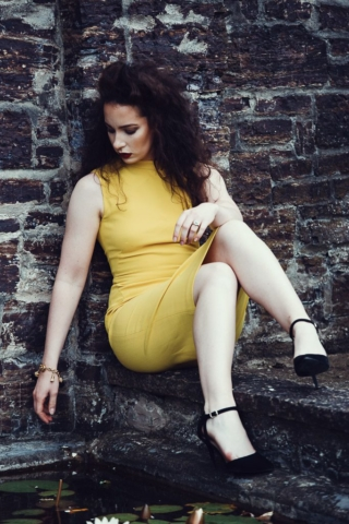 fashion-portrait-yellow-dress