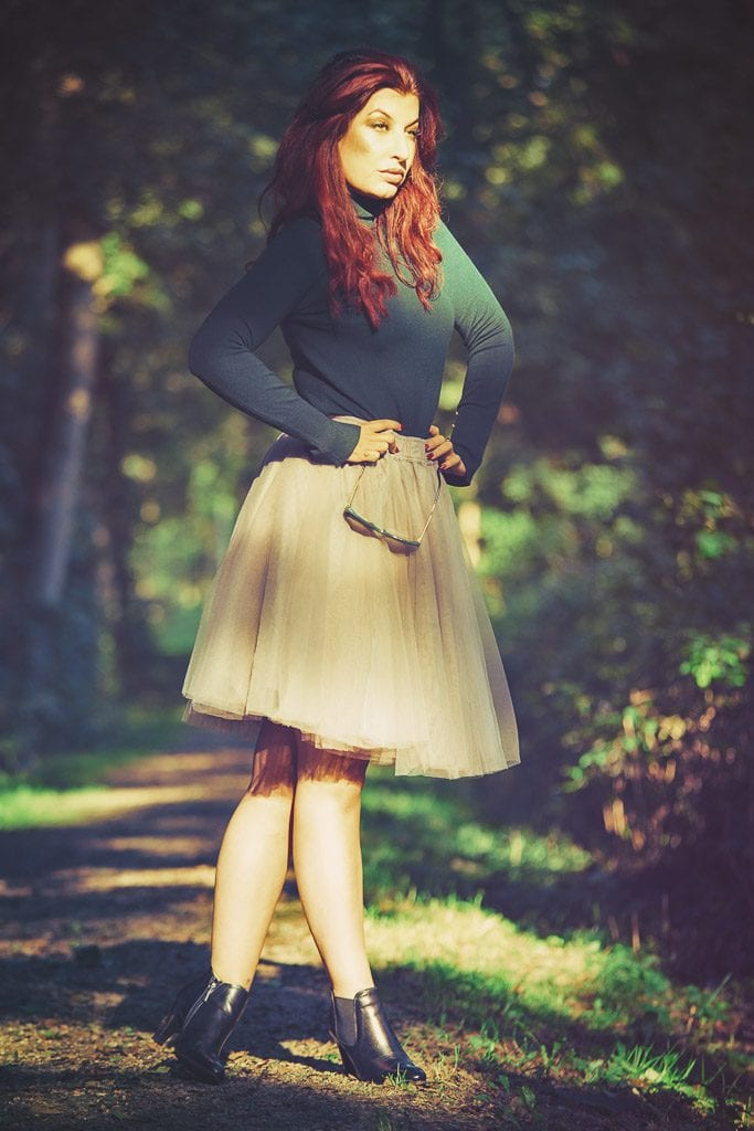red hair-model-vintage-feel