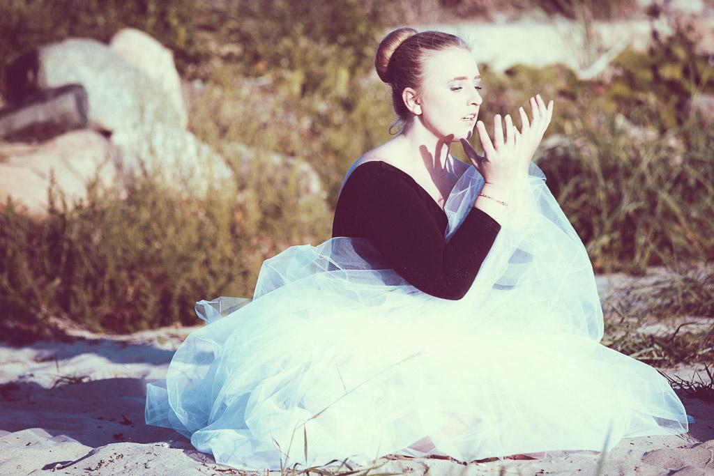 female-dancer-expressing